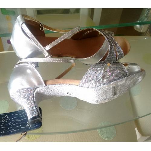 Dámské Boty na latinskoamerické tance   Standardní Třpytky Sandály Přezky  Kačenka Na míru Taneční boty Stříbro ec39878d7a