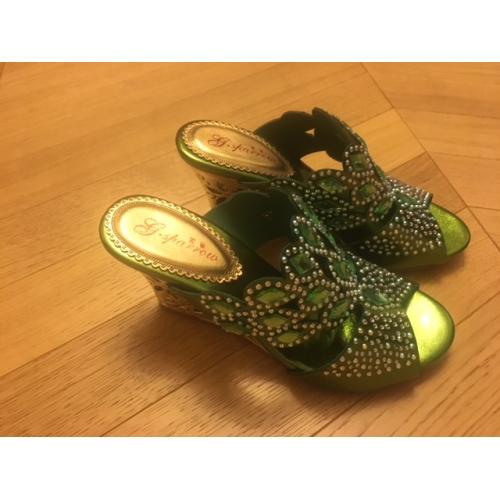 bf9015c566 Mulheres Sapatos Couro Primavera   Verão Salto Plataforma Cristais Verde    Azul   Dourado   Festas ...