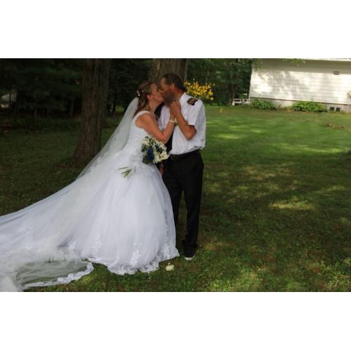 14b800bfd ... منفوش رقبة مربعة ذيل كنسية صغيرة أورجنزا / دانتيل الزهور فساتين الزفاف  صنع لقياس مع حصى