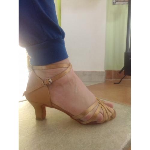 0886d8440c Női Latin cipők / Salsa cipők Selyem Szandál / Sportcipő Csat /  Csokornyakkendő Személyre szabott sarok ...