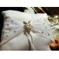 Inel pernă În satin alb cu Faux Pearl flori și stras