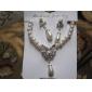 Set bijuterii Pentru femei Aniversare / Nuntă / Logodnă / Zi de Naștere / Cadou / Petrecere / Zilnic Set Bijuterii Aliaj ȘtrasΣκουλαρίκια